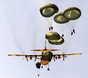c130_paratroopers1_b